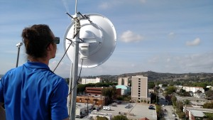 global-it-installing-wireless-internet-antenna